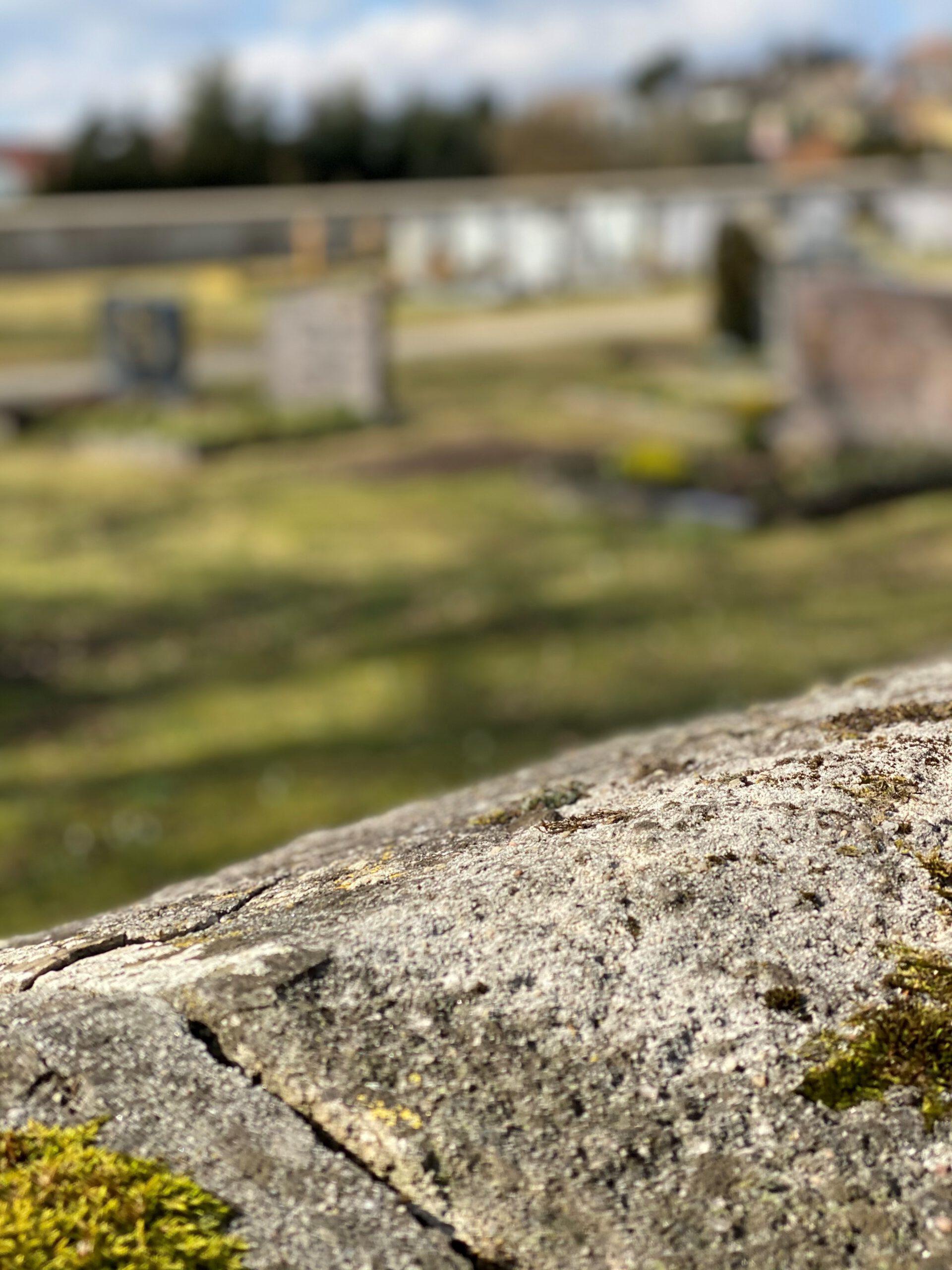 Beerdigung und Friedhof